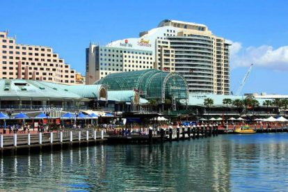 Harbourside Shopping Centre 01